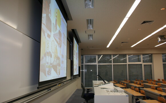Meiji University, Tokyo, Japan: On-screen imaging in the classroom using a WolfVision Visualizer