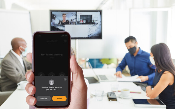 Zoom or Microsoft Teams meetings using WolfVision's vSolution App as a 'touchless' controller