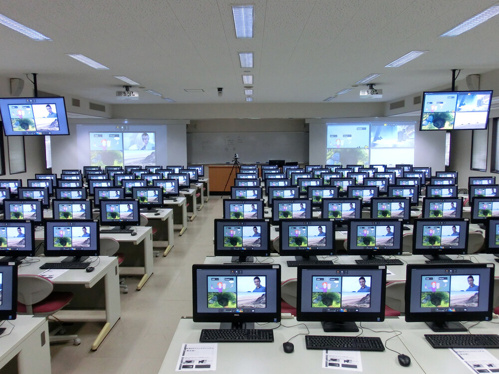 WolfVision Cynap: simultaneous multimedia streaming and recording to 127 computers at Okayama University, Japan.