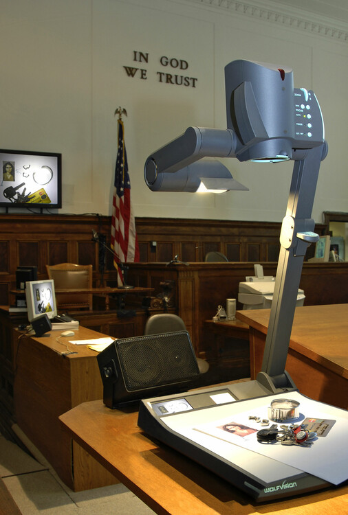 The Desktop Visualizer picks up 3 dimensional objects and is then quickly and easily stored by attorneys after displaying important evidence.